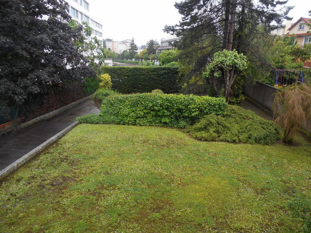 A vendre appartement rueil malmaison m l 39 adresse for Acheter maison suresnes
